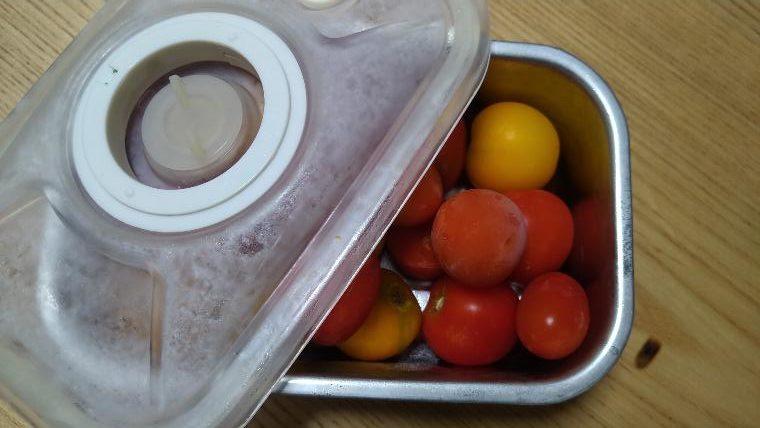 真空容器で冷凍したミニトマト画像