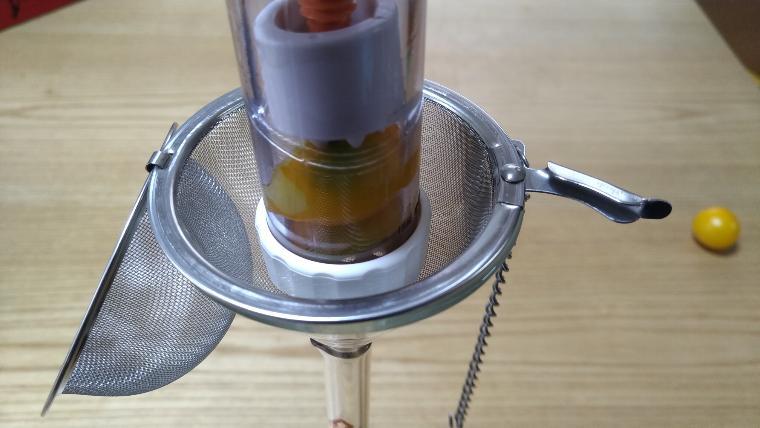 茶こしとにんにく絞り器画像