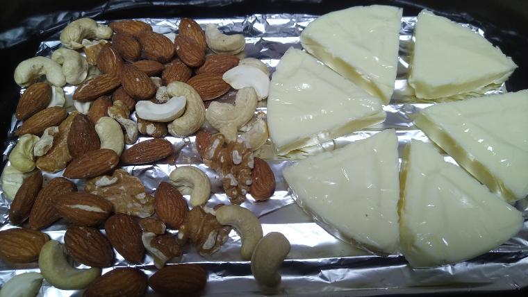 チーズとナッツの燻製
